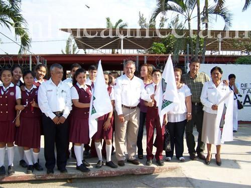 Fortalecen infraestructura educativa y deportiva en Altamira